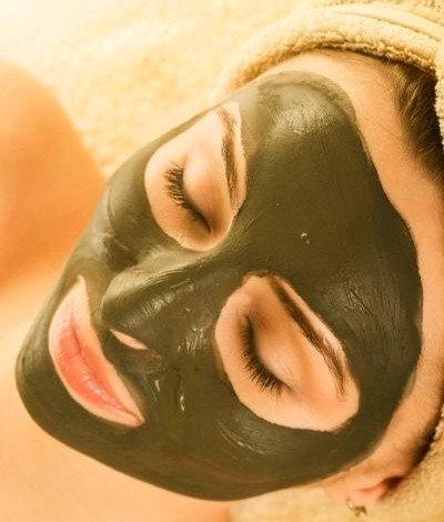 Ansigtsmassage & spirulina maske