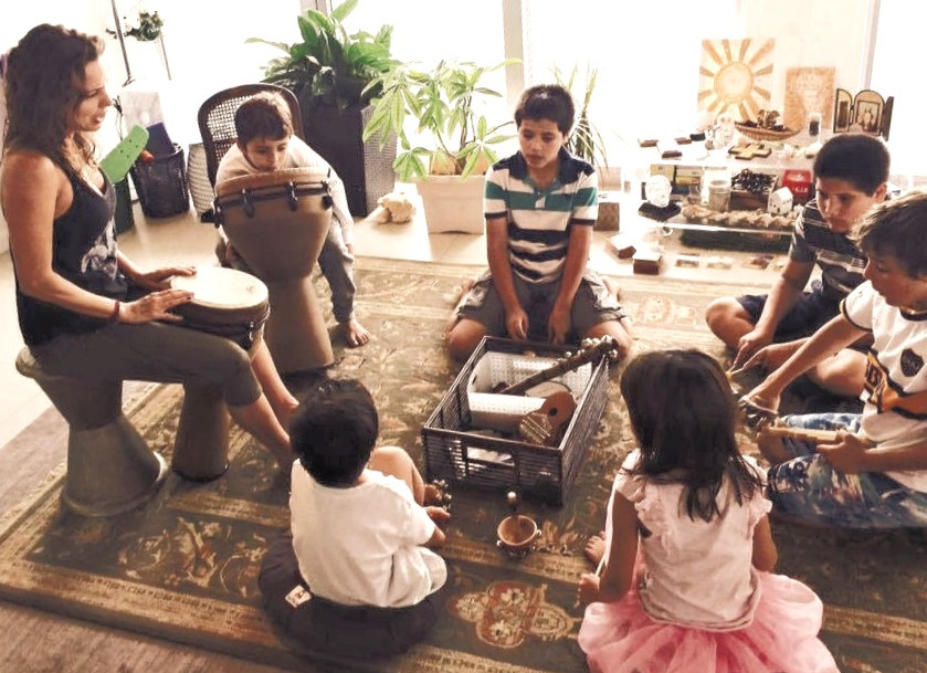 Guiding kids to connect through music