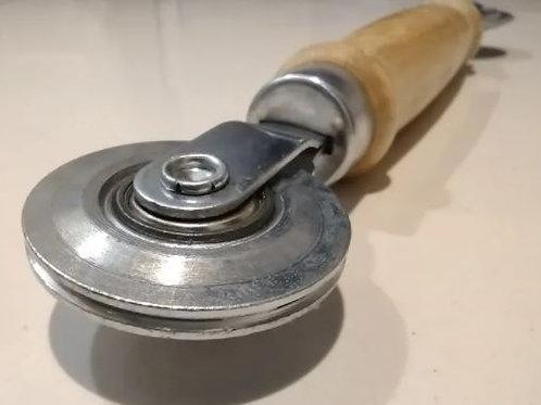 Rolete de metal duplo fixador de borracha