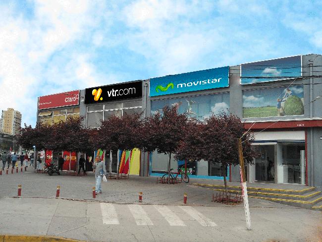 Strip Center Los Cerezos