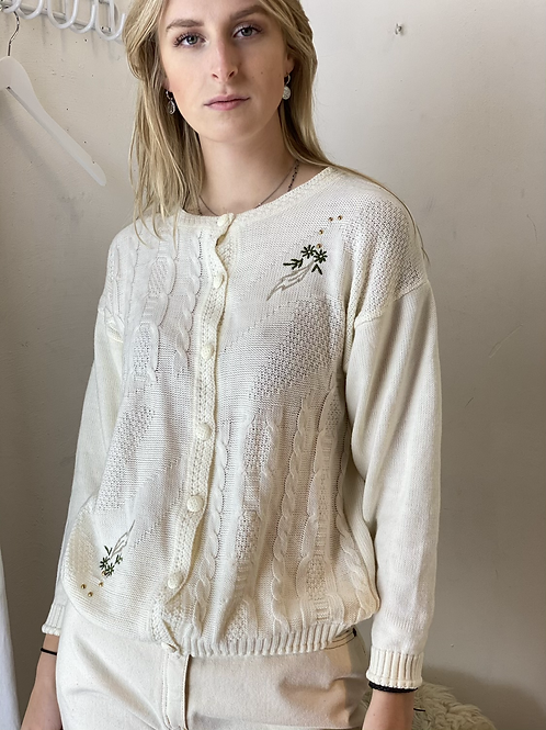 Vintage off white embroidery knit