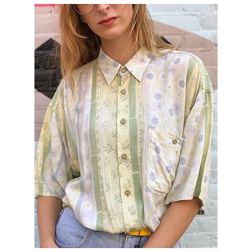 Gender neutral vintage 90s shirt