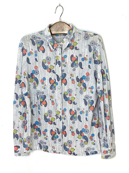 Gender neutral 90s print shirt