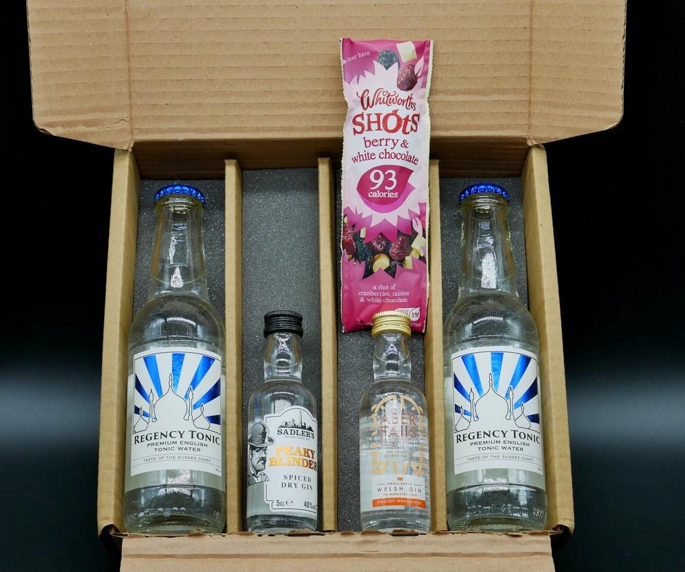 I Love Gin box contents