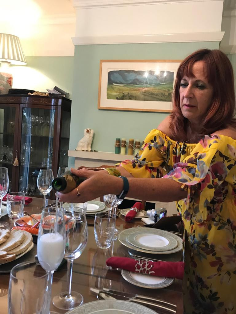 Entertaining at home with English fizz
