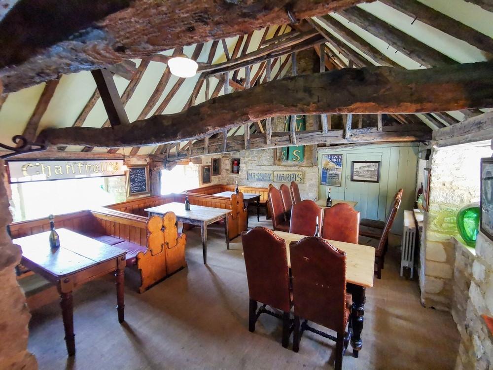 Interior room of the Tobie Norris pub