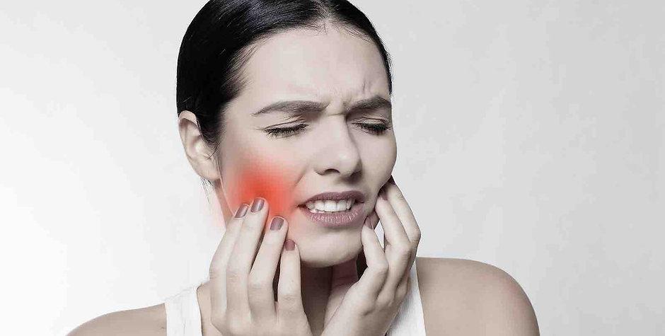 tooth-pain-avulsed-dental-emergency.jpg