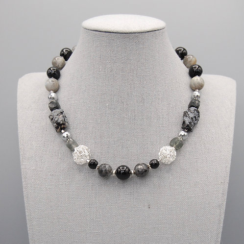Onyx & Labradorite Choker with Silver Wire Knot Beadss