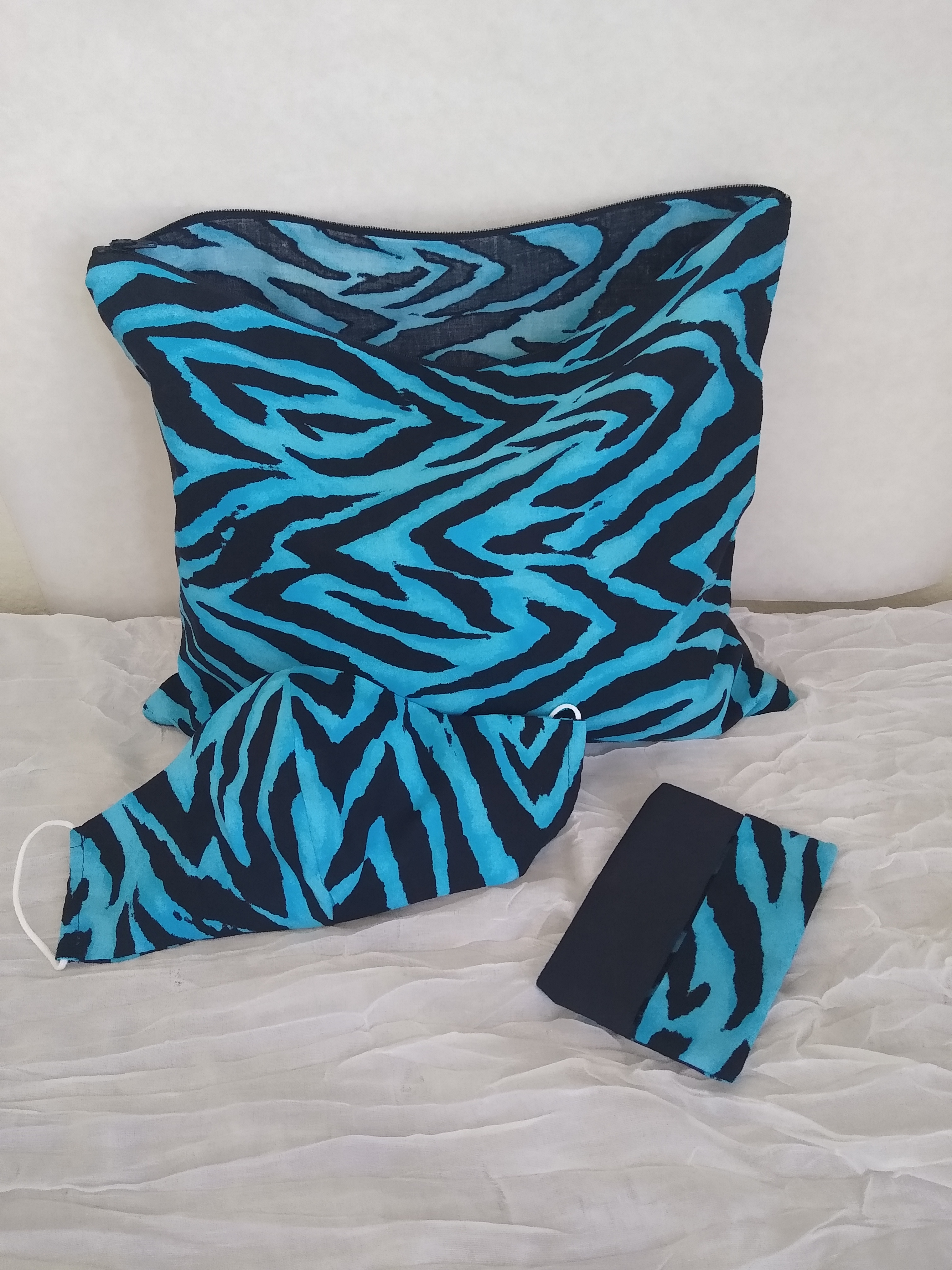 blkandblue leopard print set