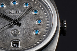 detail-Crude-Gypsetter-dial