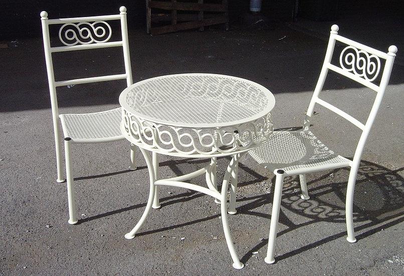 Mesh-Table-Chairs-001.jpg
