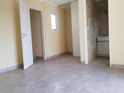 habitación_vista_la_placard_y_baño