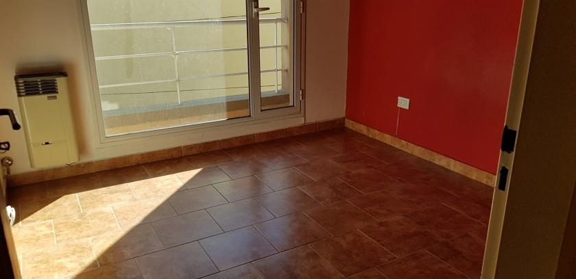 habitación_con_balcón_hacia_la_entrada_d