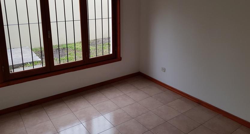 habitación_planta_baja_-_otra_vista