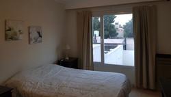 dormitorio vista contra frente
