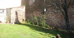 jardin_detrás_de_la_casa_de_caseros