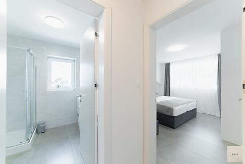 prehod-iz-spalnice-v-kopalnico_2jpg