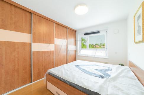 garderobni-prostor-v-spalnicijpg