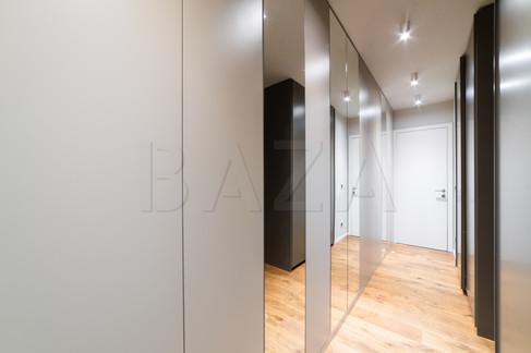 vhod-v-hiso-garderobni-prostorjpg