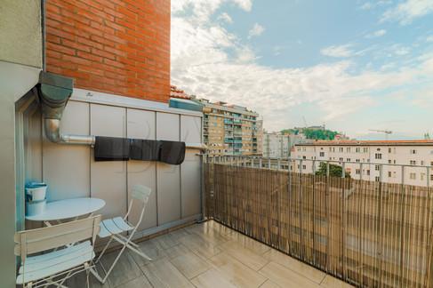 velik-balkon-v-srediu-mesta.jpg