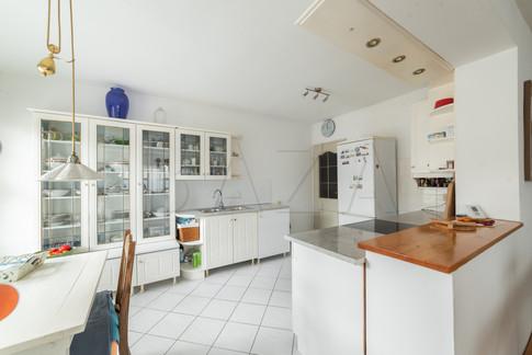 kuhinja-v-stanovanju.jpg