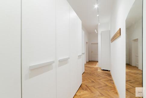 hodnik-in-garderobni-prostorjpg