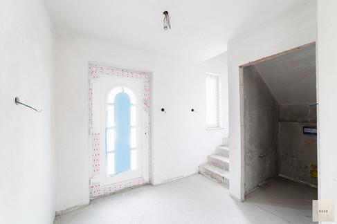 vhod-s-stopnicami-in-shrambojpg