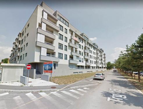 pogled-na-zunanjost-stavbejpg