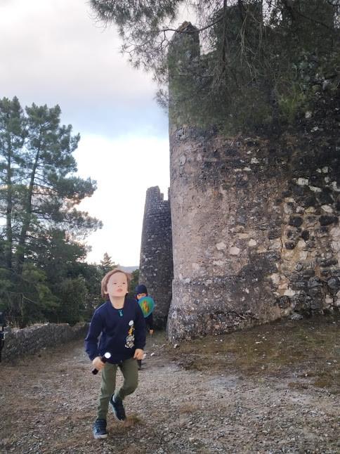 castelo de alcaned - Portugal com Miúdos