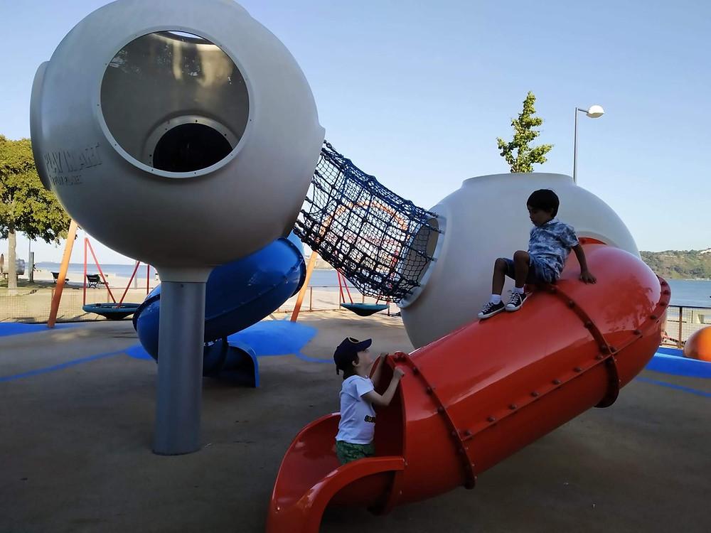 Parque infantil em Lisboa - Portugal com Miúdos