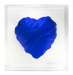 Love me in plexiglass_blue heart