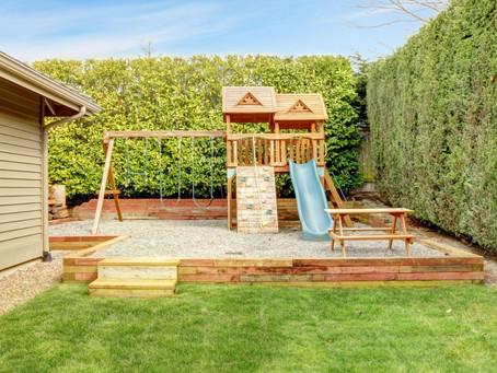 Dzieci w ogrodzie - jak urządzić przestrzeń, przydomowy plac zabaw.