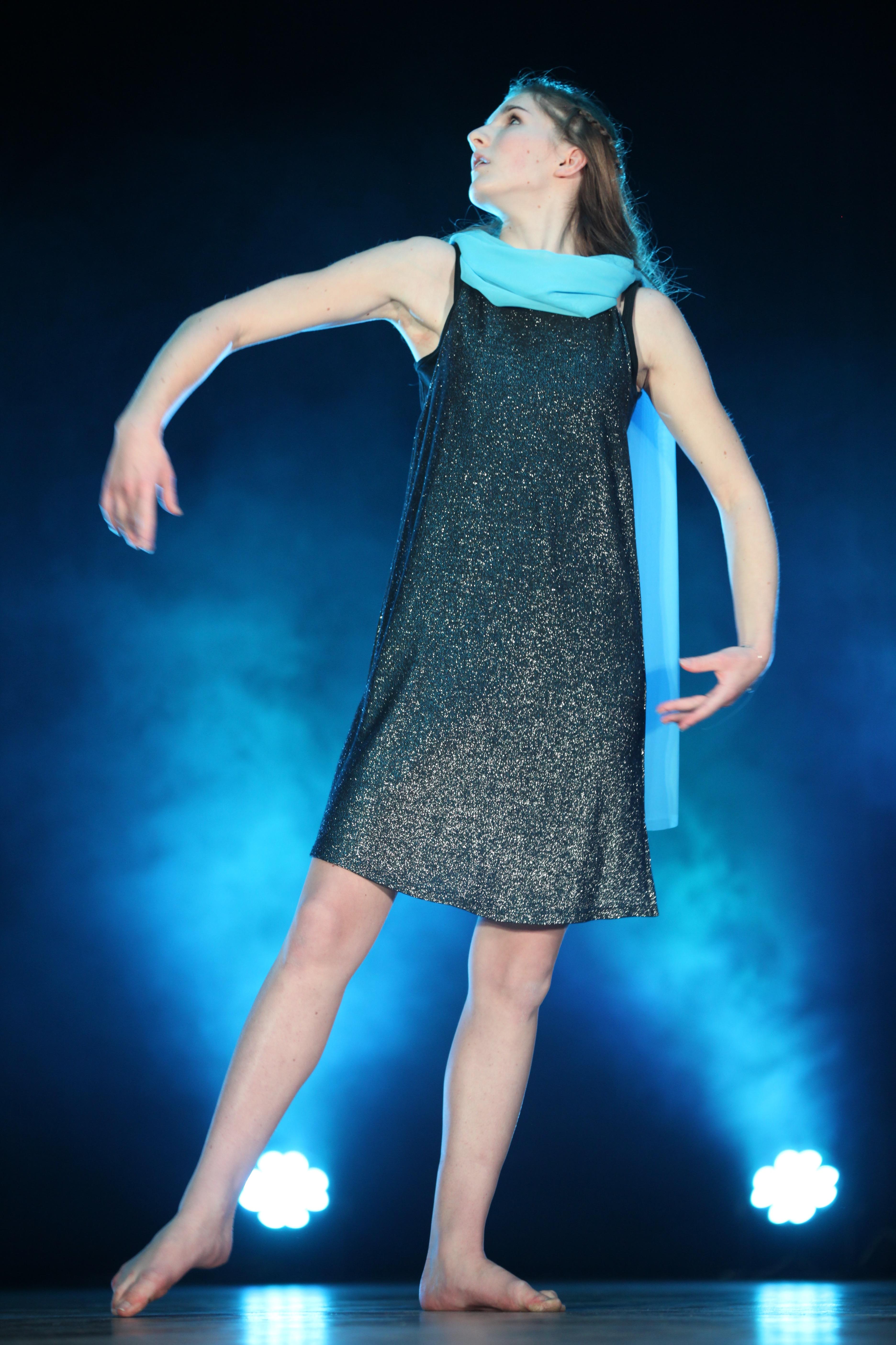 BLUE DANCING