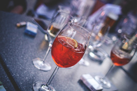 evening-party-with-aperol-spritz-picjumbo-com.jpg