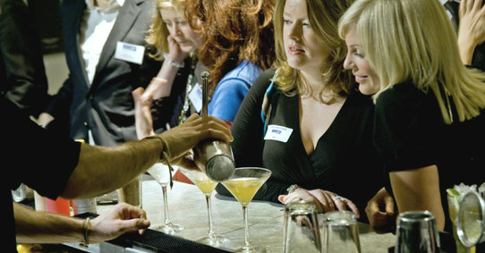 corporate-events-cocktails-mixology.jpg