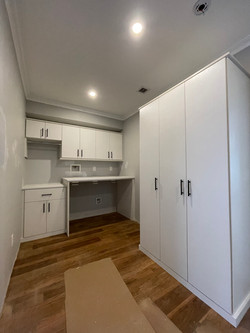 Latitude North (Alto Line) Laundry Room