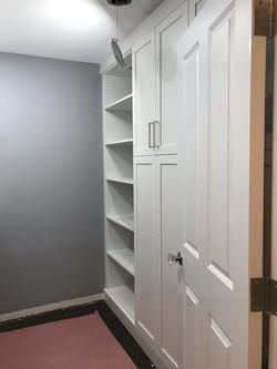 Laundry Room - Shaker Doors - White
