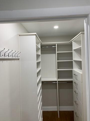 Latitude North (Alto Line) Master Closet