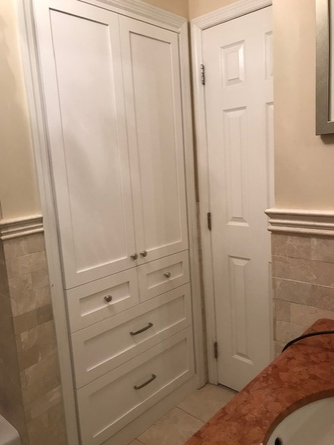 Bathroom Linen Cabinet with Hardware
