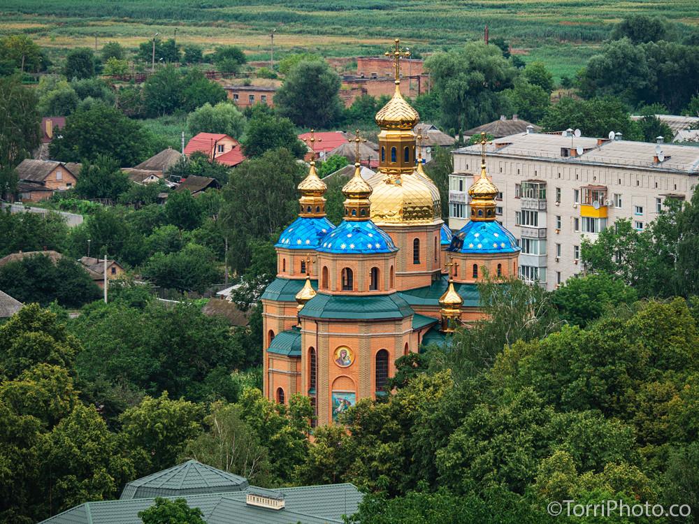 Вид на церковь Казанской иконы Божией Матери с Бастиона Дорошенко, Чигирин