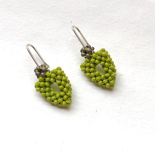 Arrowhead Earrings in Green Goddess