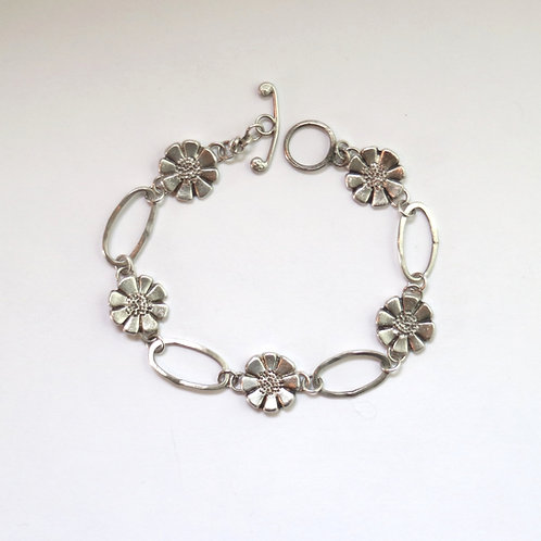 Little Daisies Bracelet