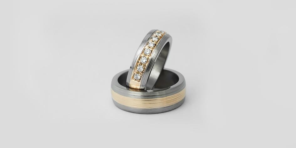 Titaanikultasormus timanteilla