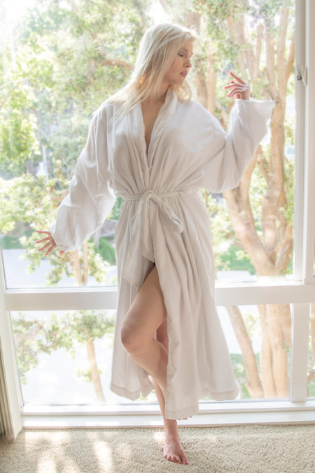 White Robe_2418_e.jpg