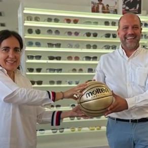 Óptica Khroma y Araberri Basket Club, firman un acuerdo de patrocinio y colaboración