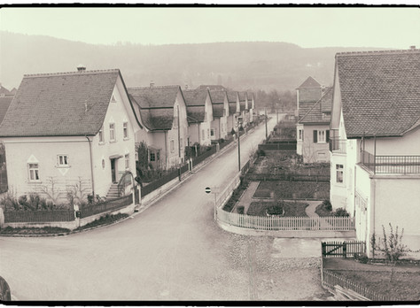 Eine «unzeitgemässe» Wohnform offenbart alte Qualitäten. Und eine Quizfrage.