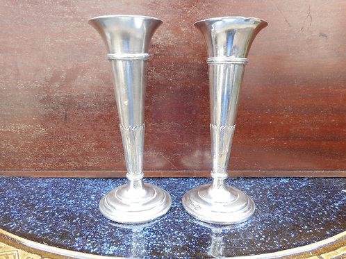 Cunard vases