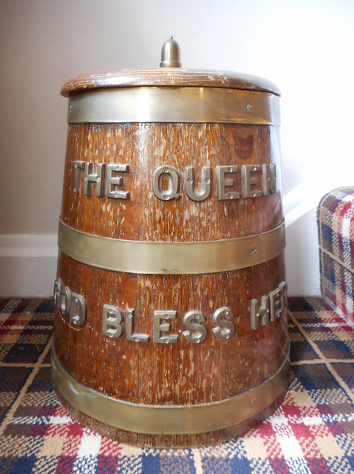 Ice bucket rum barrel