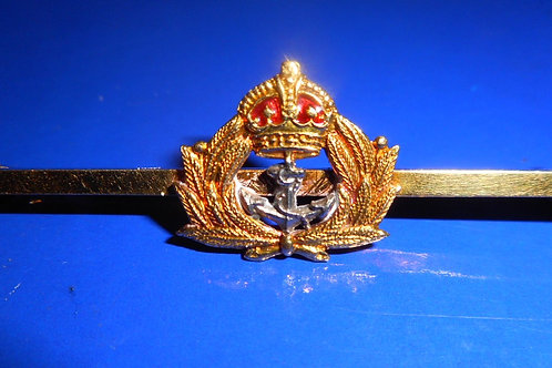 George V1 18ct gold naval brooch