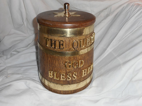 Ice bucket rum barrel 'The Queen God Bless Her'